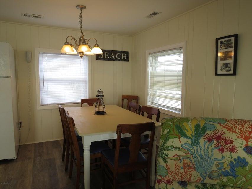 E. Long Beach Real Estate - http://cdn.resize.sparkplatform.com/ncr/1024x768/true/20170118215858903282000000-o.jpg