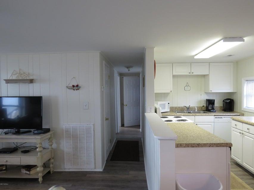 E. Long Beach Real Estate - http://cdn.resize.sparkplatform.com/ncr/1024x768/true/20170118220059575135000000-o.jpg