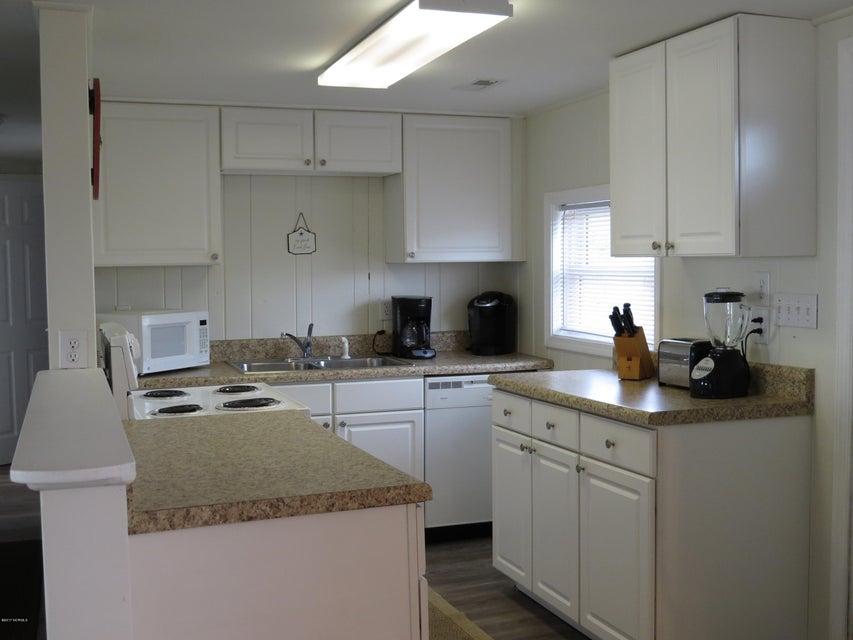 E. Long Beach Real Estate - http://cdn.resize.sparkplatform.com/ncr/1024x768/true/20170118220616861585000000-o.jpg