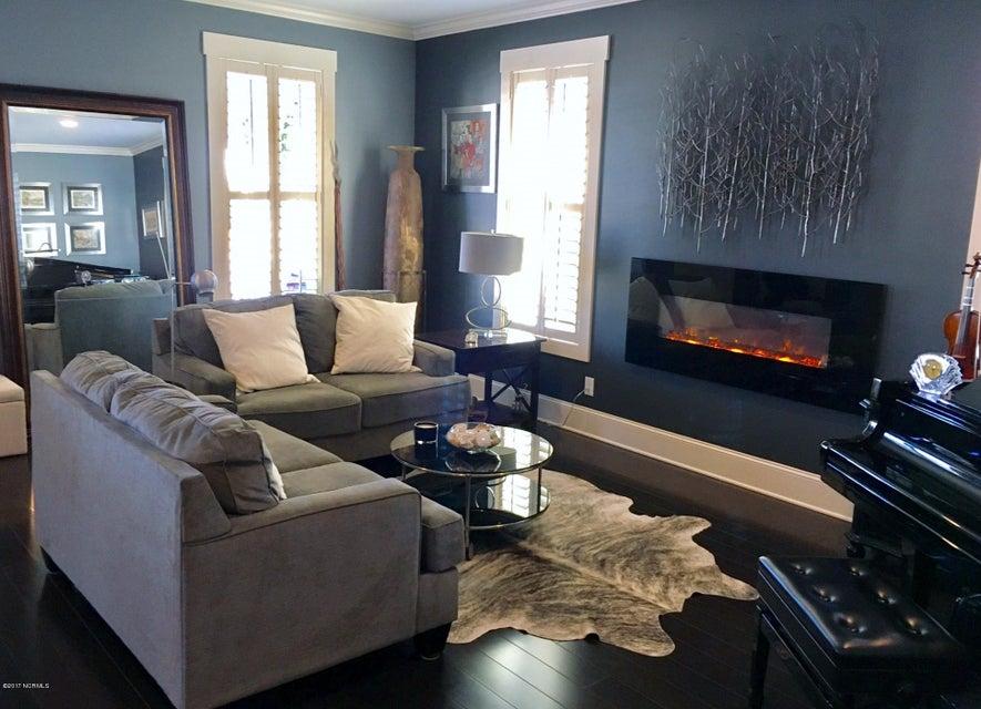 Cades Cove Real Estate - http://cdn.resize.sparkplatform.com/ncr/1024x768/true/20170126172510064447000000-o.jpg