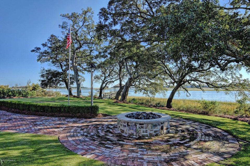 Bradley Creek Point Real Estate - http://cdn.resize.sparkplatform.com/ncr/1024x768/true/20170127223446690244000000-o.jpg