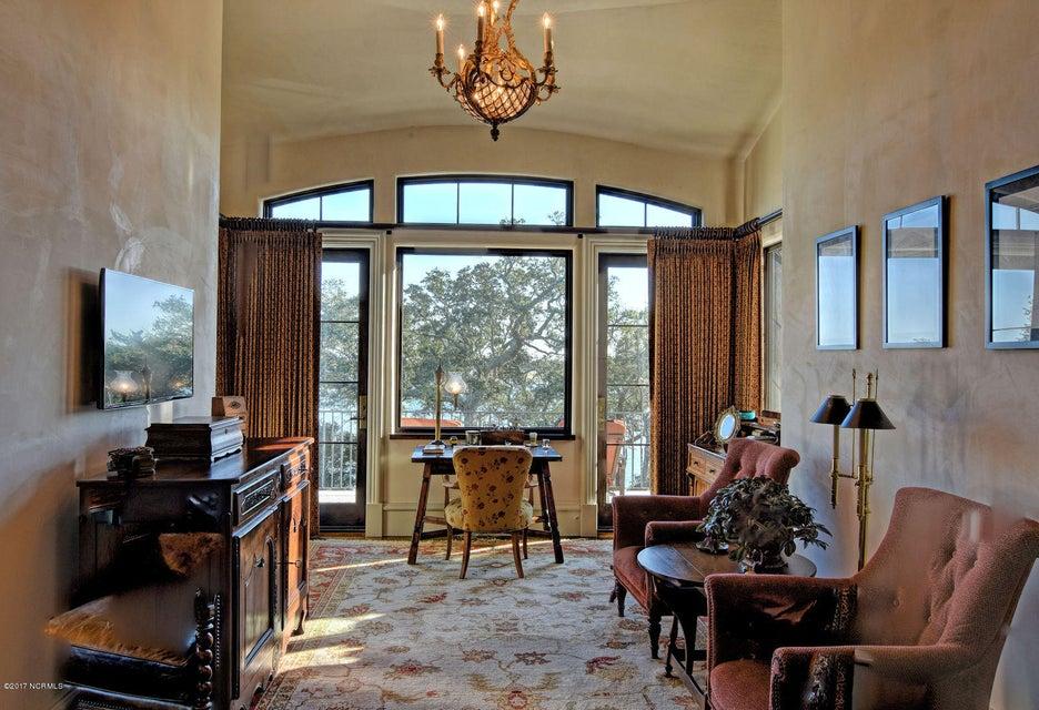 Bradley Creek Point Real Estate - http://cdn.resize.sparkplatform.com/ncr/1024x768/true/20170127223753971224000000-o.jpg