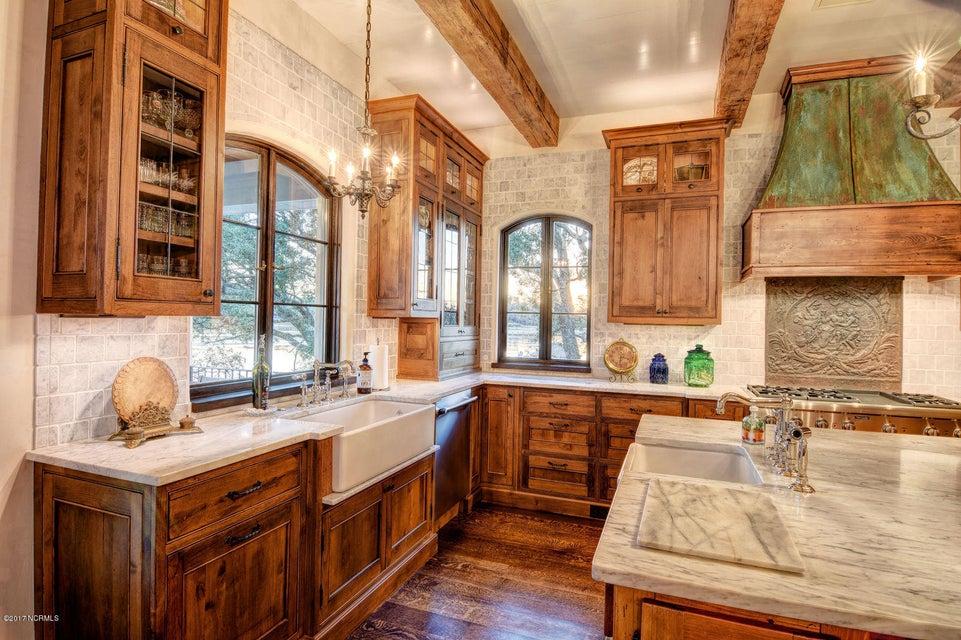 Bradley Creek Point Real Estate - http://cdn.resize.sparkplatform.com/ncr/1024x768/true/20170127223913925971000000-o.jpg