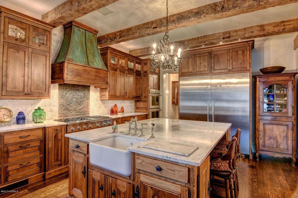 Bradley Creek Point Real Estate - http://cdn.resize.sparkplatform.com/ncr/1024x768/true/20170127223919377059000000-o.jpg