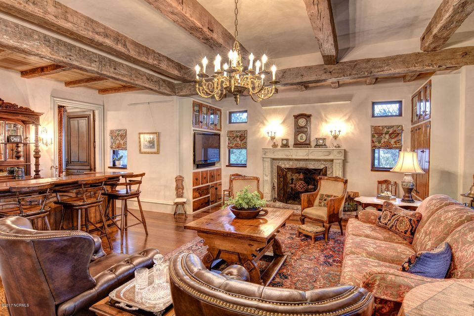 Bradley Creek Point Real Estate - http://cdn.resize.sparkplatform.com/ncr/1024x768/true/20170127223937582841000000-o.jpg