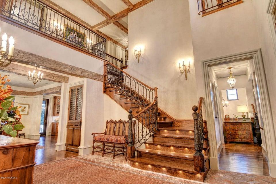 Bradley Creek Point Real Estate - http://cdn.resize.sparkplatform.com/ncr/1024x768/true/20170127224017101691000000-o.jpg