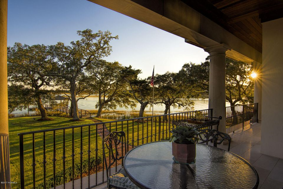 Bradley Creek Point Real Estate - http://cdn.resize.sparkplatform.com/ncr/1024x768/true/20170127224207179939000000-o.jpg