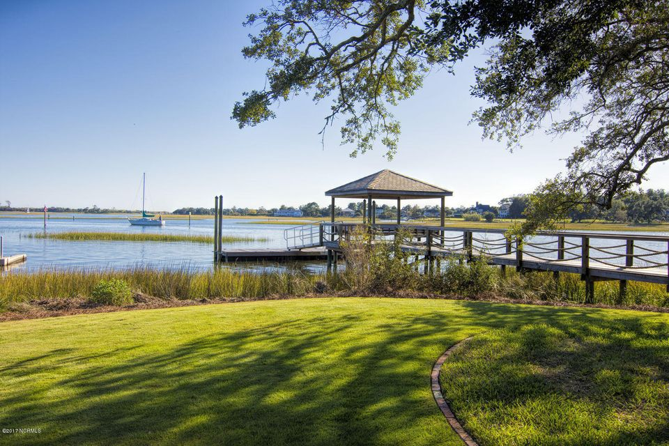 Bradley Creek Point Real Estate - http://cdn.resize.sparkplatform.com/ncr/1024x768/true/20170127224227805736000000-o.jpg