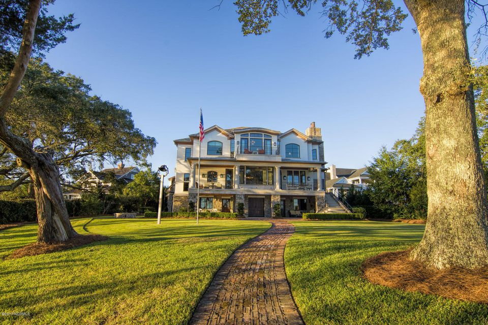 Bradley Creek Point Real Estate - http://cdn.resize.sparkplatform.com/ncr/1024x768/true/20170127224305290256000000-o.jpg