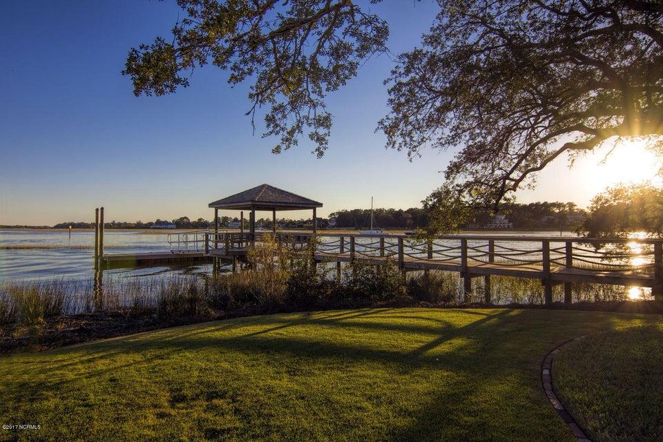 Bradley Creek Point Real Estate - http://cdn.resize.sparkplatform.com/ncr/1024x768/true/20170127224311123941000000-o.jpg