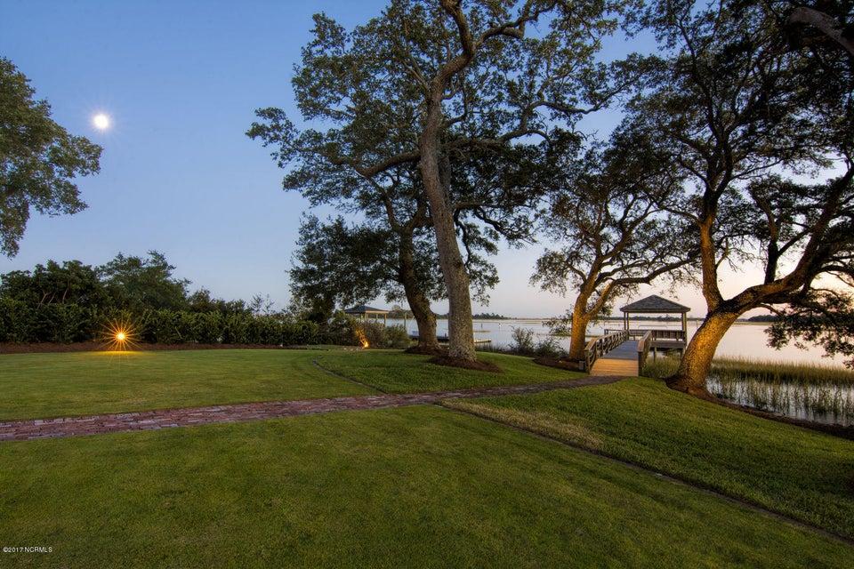 Bradley Creek Point Real Estate - http://cdn.resize.sparkplatform.com/ncr/1024x768/true/20170127224316481230000000-o.jpg