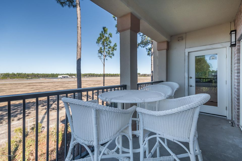 The Preserve at Oak Island Real Estate - http://cdn.resize.sparkplatform.com/ncr/1024x768/true/20170128153441264578000000-o.jpg