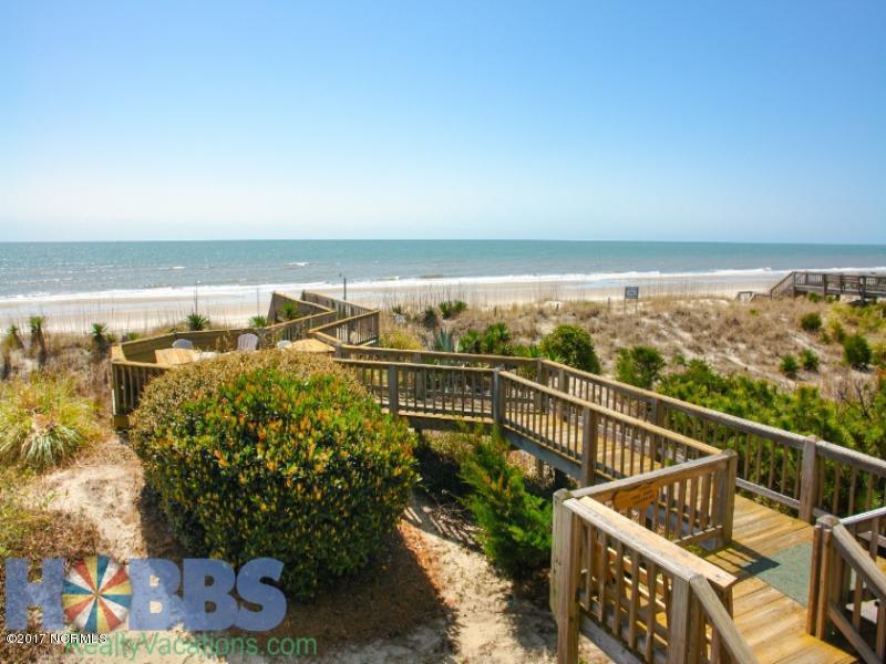 Colonial Beach Real Estate - http://cdn.resize.sparkplatform.com/ncr/1024x768/true/20170131203702031793000000-o.jpg