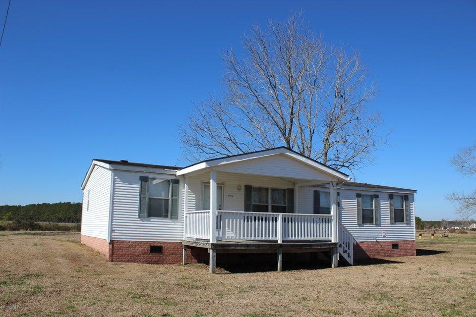 711 Parkertown Road, Hubert, NC 28539