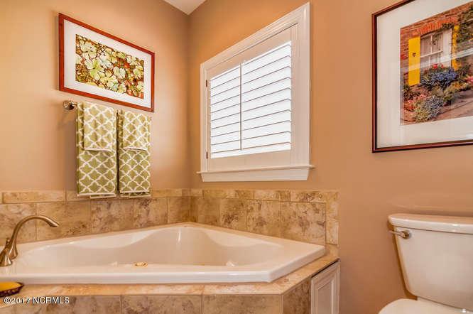 Cades Cove Real Estate - http://cdn.resize.sparkplatform.com/ncr/1024x768/true/20170210200925284494000000-o.jpg