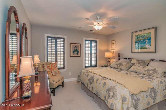 Cades Cove Real Estate - http://cdn.resize.sparkplatform.com/ncr/1024x768/true/20170210200944362619000000-o.jpg