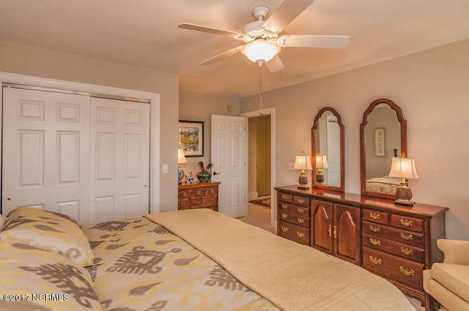 Cades Cove Real Estate - http://cdn.resize.sparkplatform.com/ncr/1024x768/true/20170210200945520709000000-o.jpg