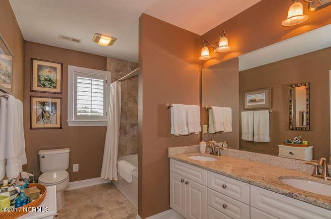 Cades Cove Real Estate - http://cdn.resize.sparkplatform.com/ncr/1024x768/true/20170210200947166296000000-o.jpg