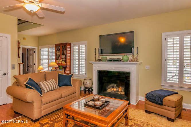 Cades Cove Real Estate - http://cdn.resize.sparkplatform.com/ncr/1024x768/true/20170210202246079069000000-o.jpg