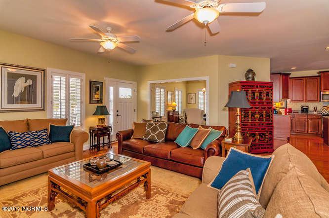 Cades Cove Real Estate - http://cdn.resize.sparkplatform.com/ncr/1024x768/true/20170210202248820993000000-o.jpg