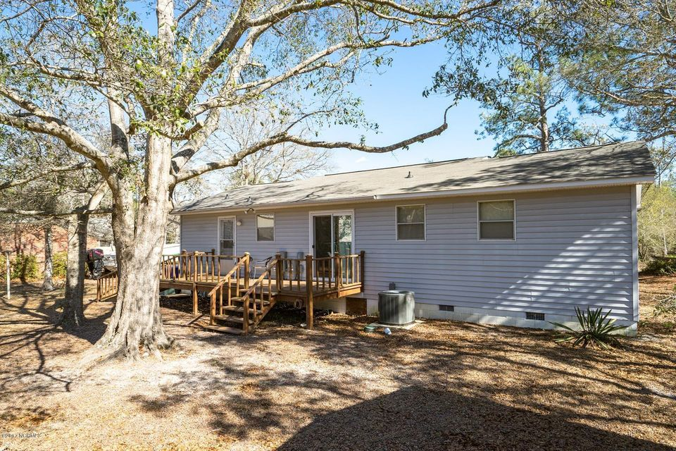buddhist singles in oak island Brittany's retreat 2 bedrooms/ 2 baths: 1 queen, 2 singles immediately forward this information to the manager of brittany's retreat, which is oak island.
