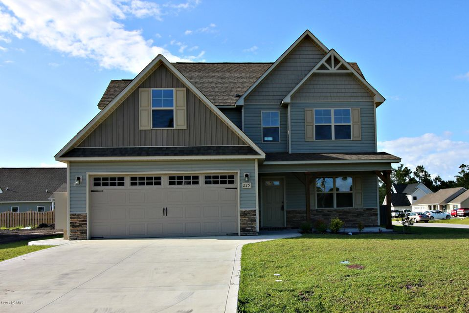 522 Deep Inlet Drive, Sneads Ferry, NC 28460