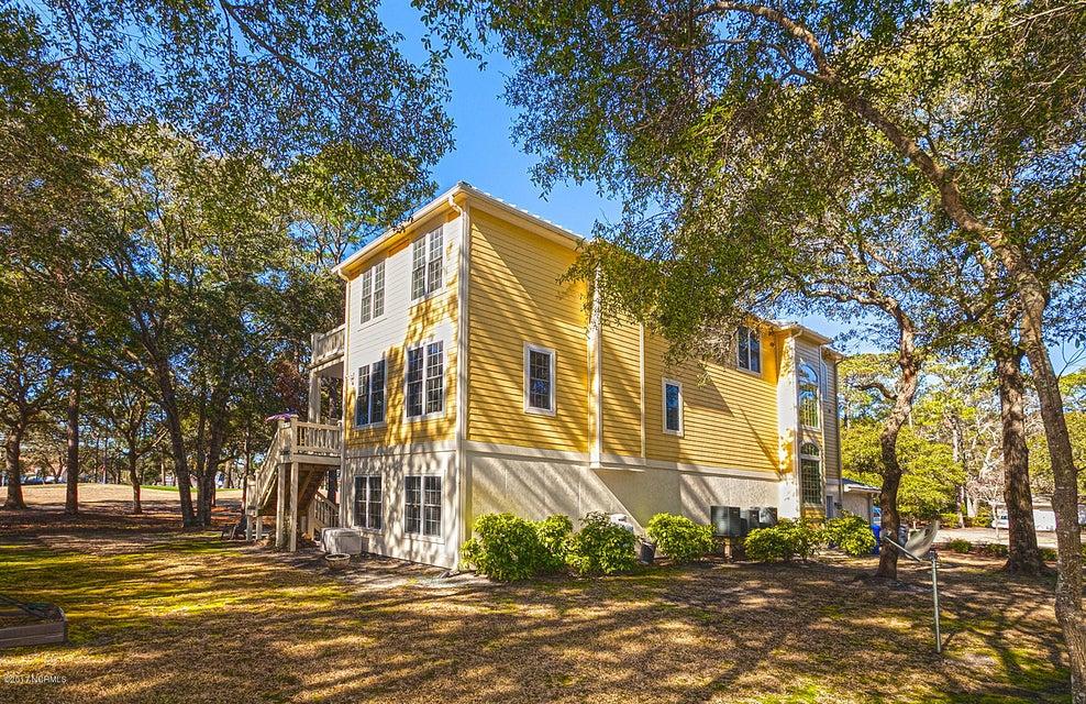 Oak Island Estates Real Estate - http://cdn.resize.sparkplatform.com/ncr/1024x768/true/20170216195122442504000000-o.jpg