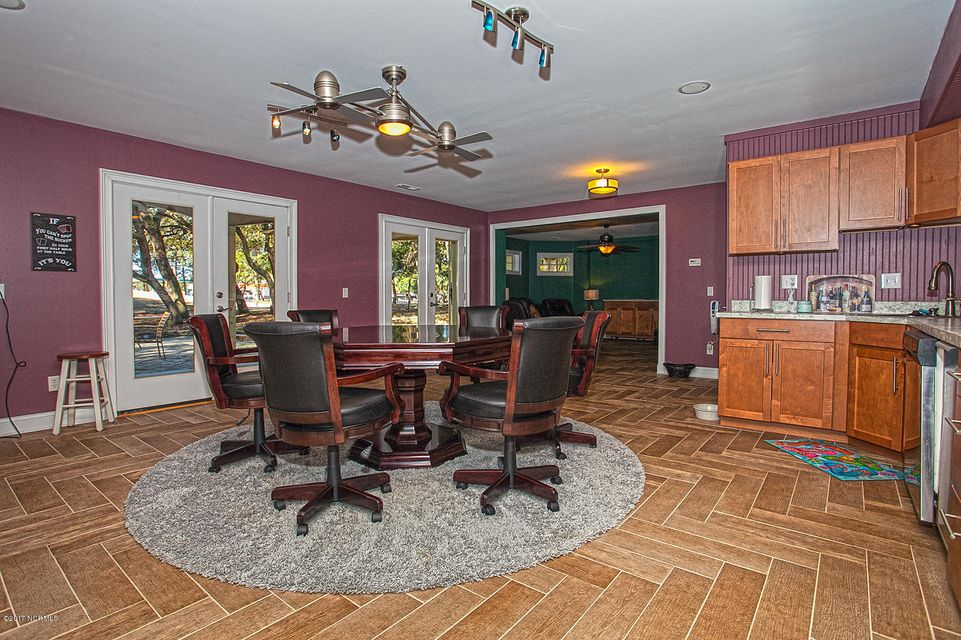 Oak Island Estates Real Estate - http://cdn.resize.sparkplatform.com/ncr/1024x768/true/20170216195207641414000000-o.jpg