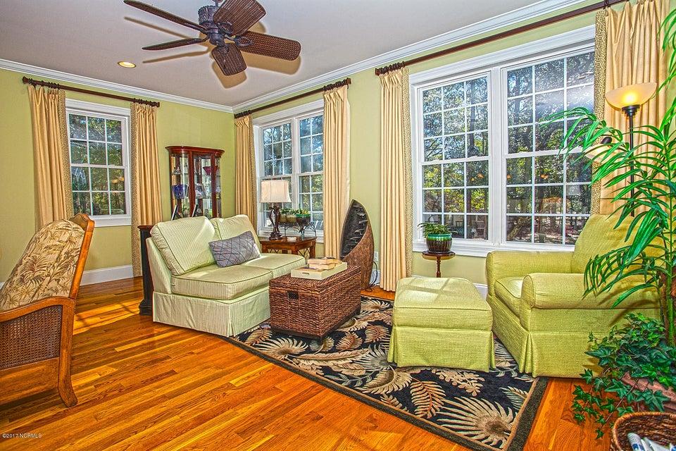 Oak Island Estates Real Estate - http://cdn.resize.sparkplatform.com/ncr/1024x768/true/20170216200105089506000000-o.jpg