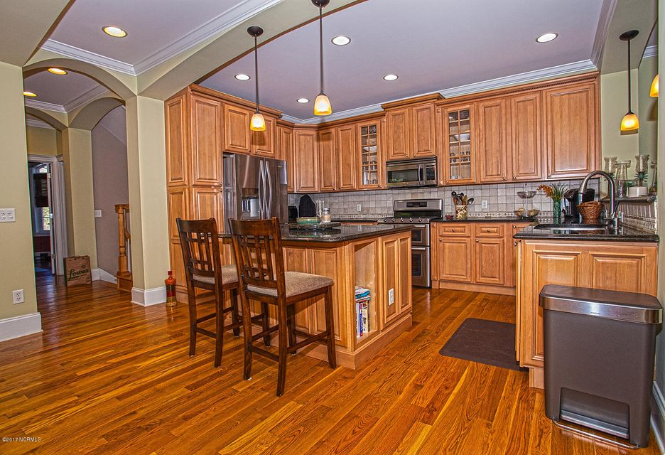 Oak Island Estates Real Estate - http://cdn.resize.sparkplatform.com/ncr/1024x768/true/20170216201542324725000000-o.jpg