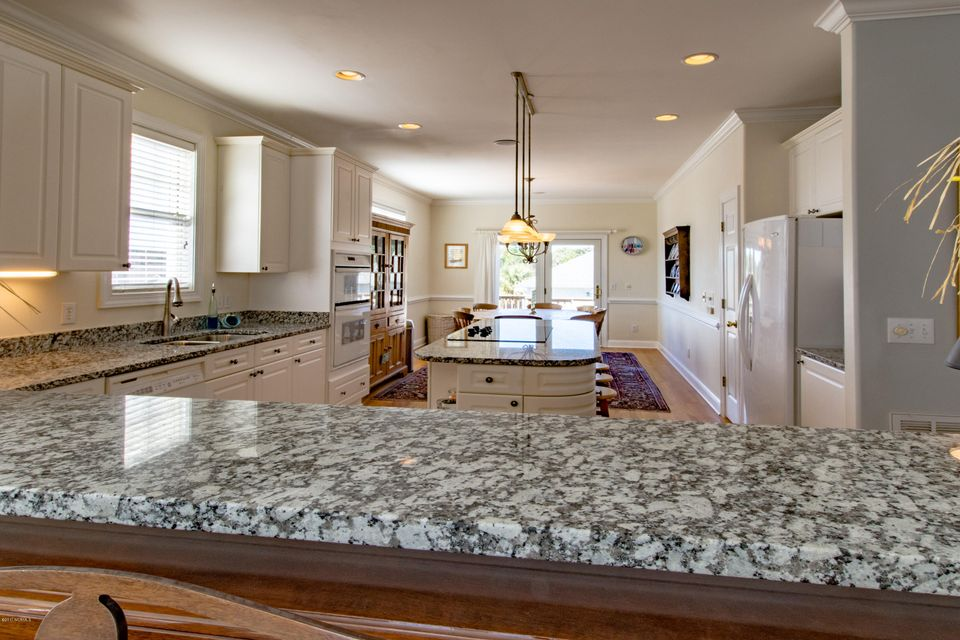 Kure Beach Village Real Estate - http://cdn.resize.sparkplatform.com/ncr/1024x768/true/20170217211433024649000000-o.jpg