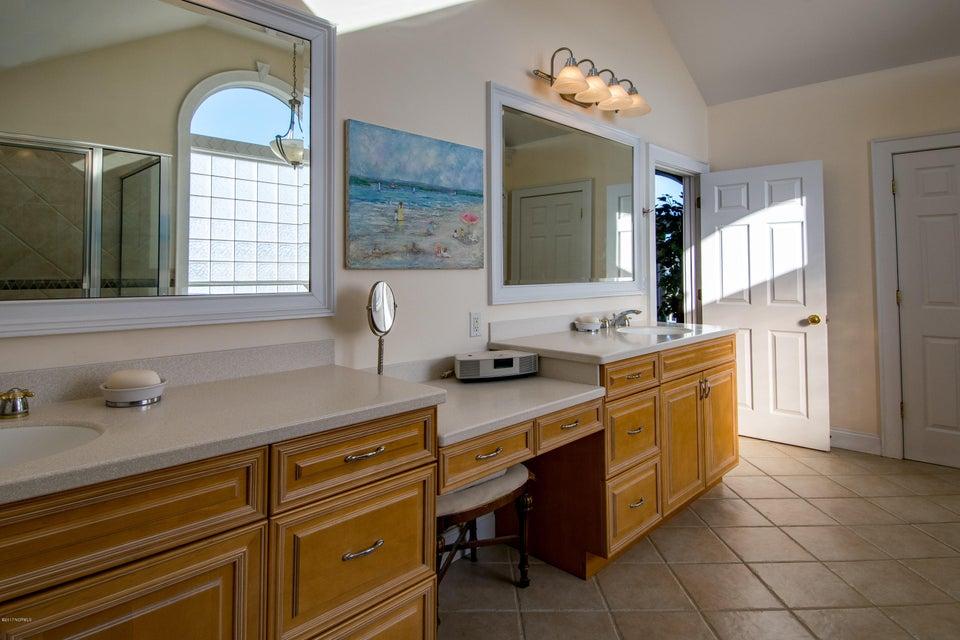 Kure Beach Village Real Estate - http://cdn.resize.sparkplatform.com/ncr/1024x768/true/20170217211808812364000000-o.jpg