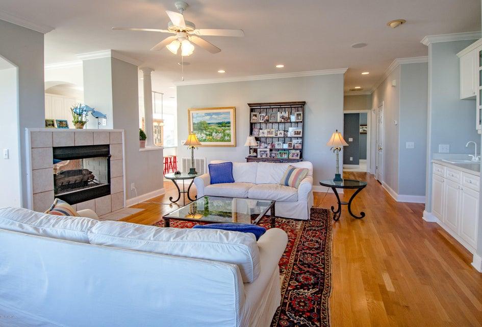 Kure Beach Village Real Estate - http://cdn.resize.sparkplatform.com/ncr/1024x768/true/20170217212105498929000000-o.jpg