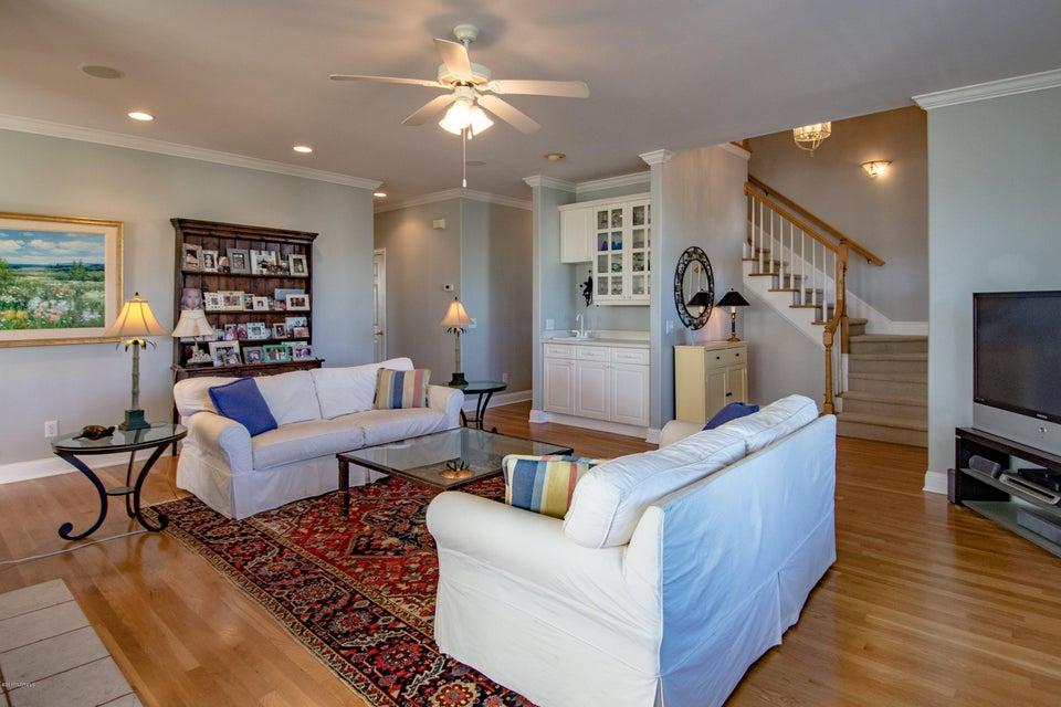 Kure Beach Village Real Estate - http://cdn.resize.sparkplatform.com/ncr/1024x768/true/20170217212128013019000000-o.jpg