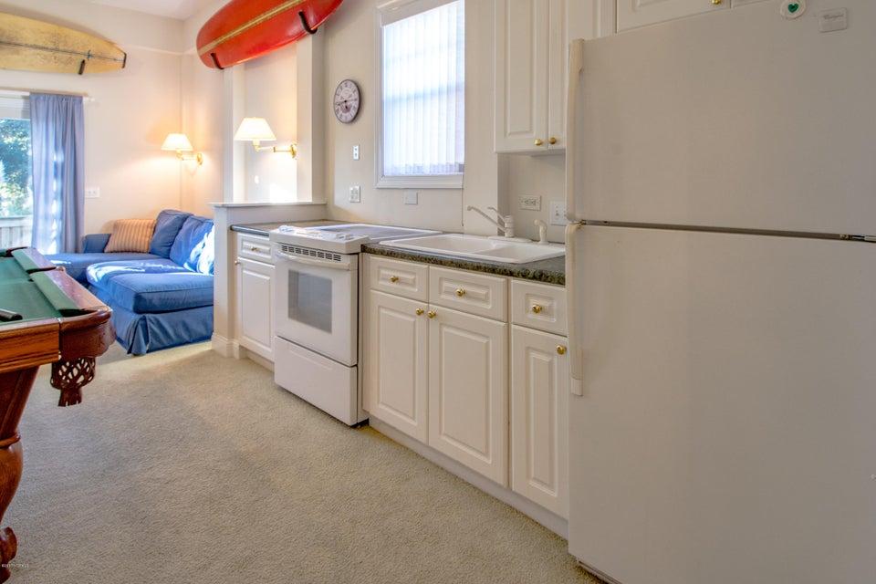 Kure Beach Village Real Estate - http://cdn.resize.sparkplatform.com/ncr/1024x768/true/20170217212244553348000000-o.jpg