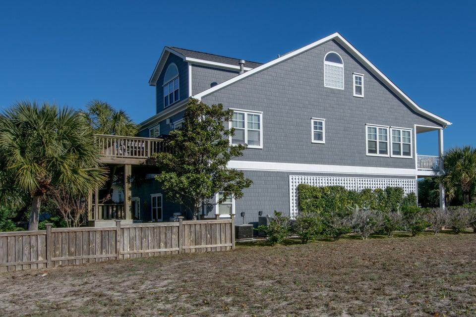 Kure Beach Village Real Estate - http://cdn.resize.sparkplatform.com/ncr/1024x768/true/20170217212445915346000000-o.jpg
