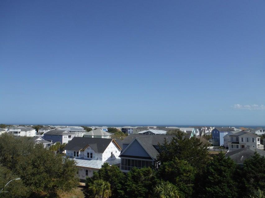 Kure Beach Village Real Estate - http://cdn.resize.sparkplatform.com/ncr/1024x768/true/20170227162939518390000000-o.jpg