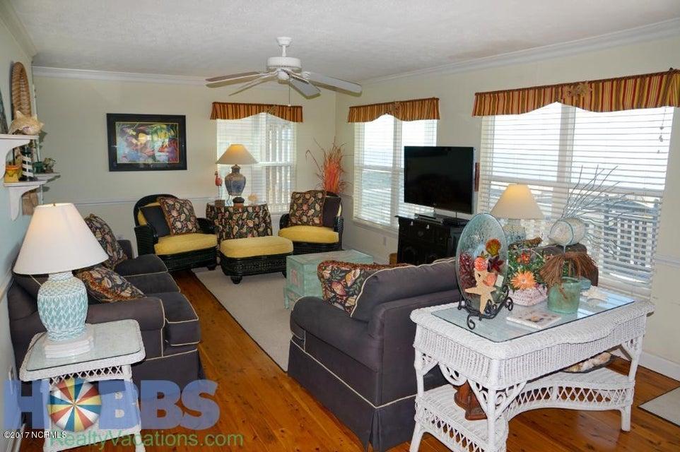 Colonial Beach Real Estate - http://cdn.resize.sparkplatform.com/ncr/1024x768/true/20170227165403734768000000-o.jpg