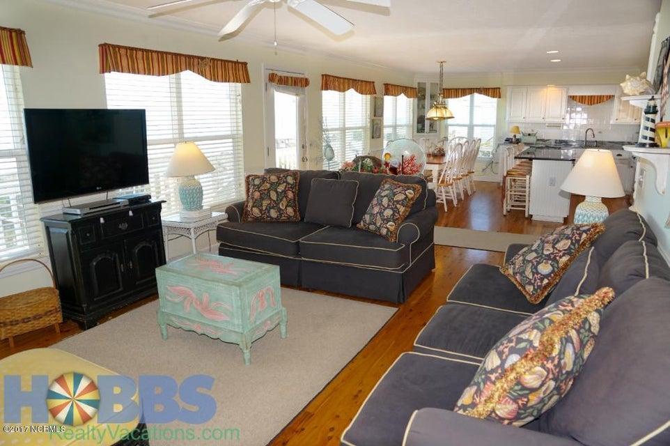 Colonial Beach Real Estate - http://cdn.resize.sparkplatform.com/ncr/1024x768/true/20170227165405994059000000-o.jpg