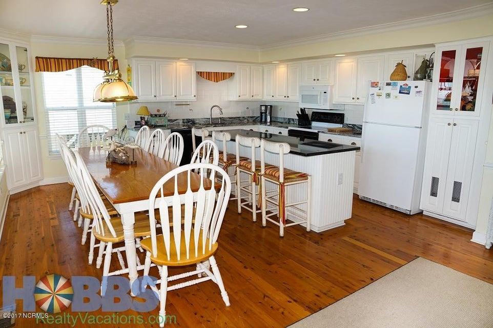 Colonial Beach Real Estate - http://cdn.resize.sparkplatform.com/ncr/1024x768/true/20170227165408669487000000-o.jpg