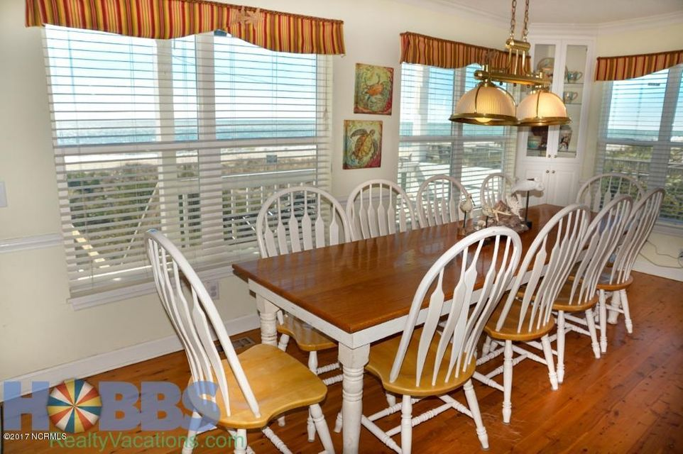 Colonial Beach Real Estate - http://cdn.resize.sparkplatform.com/ncr/1024x768/true/20170227165410992320000000-o.jpg