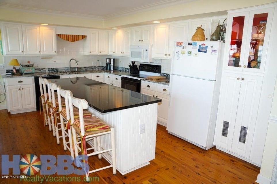 Colonial Beach Real Estate - http://cdn.resize.sparkplatform.com/ncr/1024x768/true/20170227165413174291000000-o.jpg