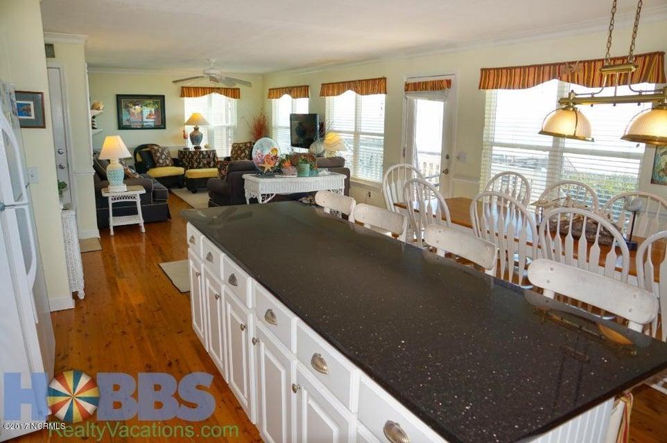 Colonial Beach Real Estate - http://cdn.resize.sparkplatform.com/ncr/1024x768/true/20170227165414914552000000-o.jpg