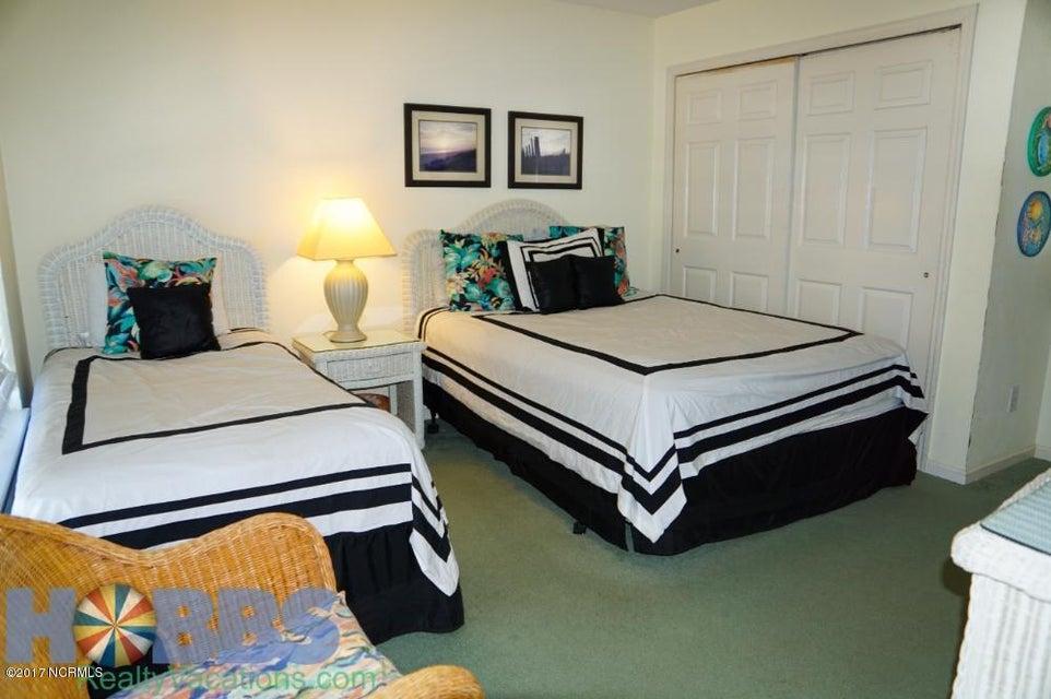 Colonial Beach Real Estate - http://cdn.resize.sparkplatform.com/ncr/1024x768/true/20170227165416526550000000-o.jpg