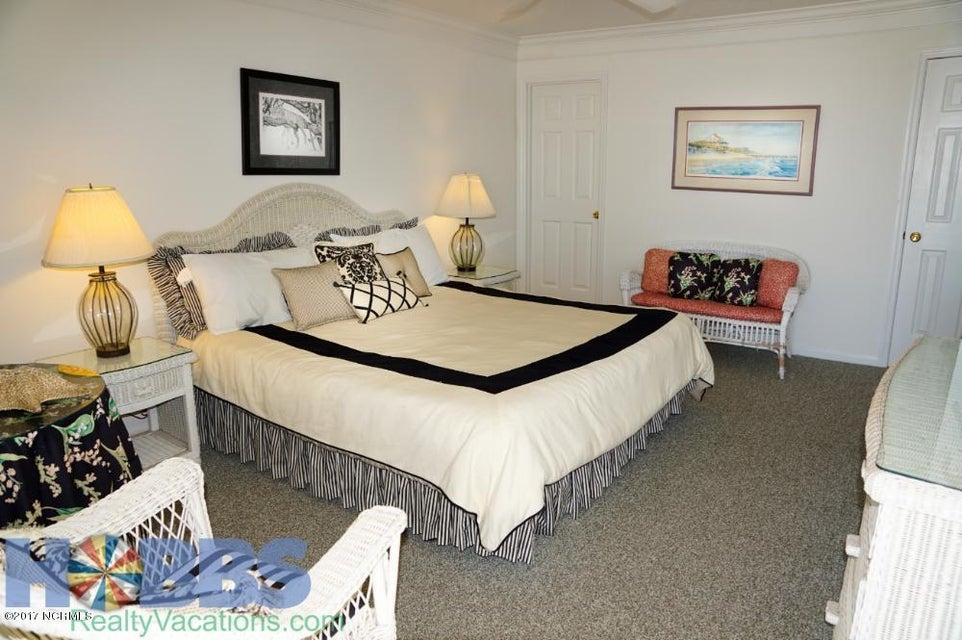 Colonial Beach Real Estate - http://cdn.resize.sparkplatform.com/ncr/1024x768/true/20170227165429231438000000-o.jpg