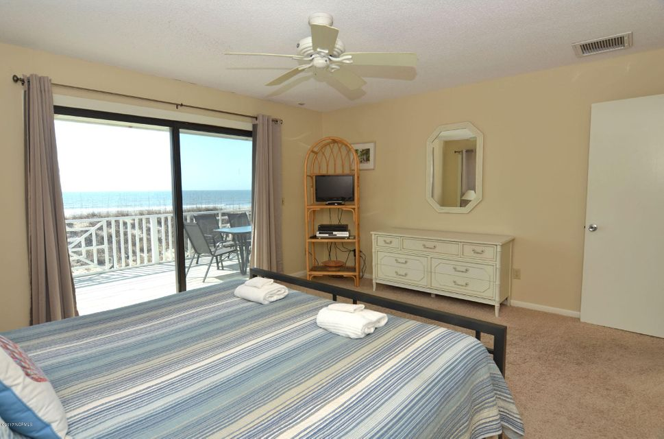 BHI (Bald Head Island) Real Estate - http://cdn.resize.sparkplatform.com/ncr/1024x768/true/20170227173050479761000000-o.jpg