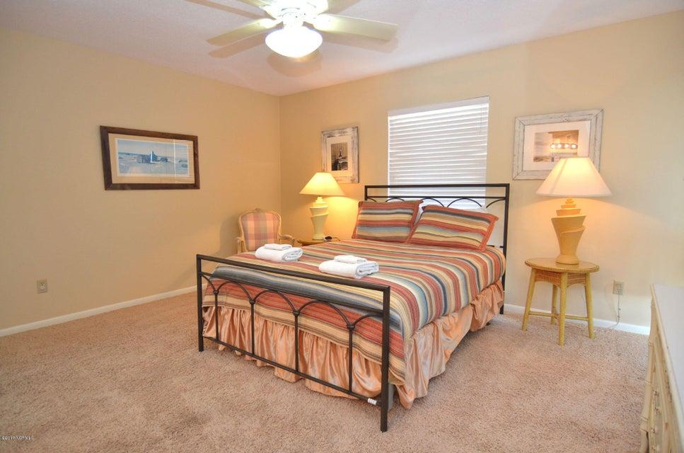 BHI (Bald Head Island) Real Estate - http://cdn.resize.sparkplatform.com/ncr/1024x768/true/20170227173109870721000000-o.jpg