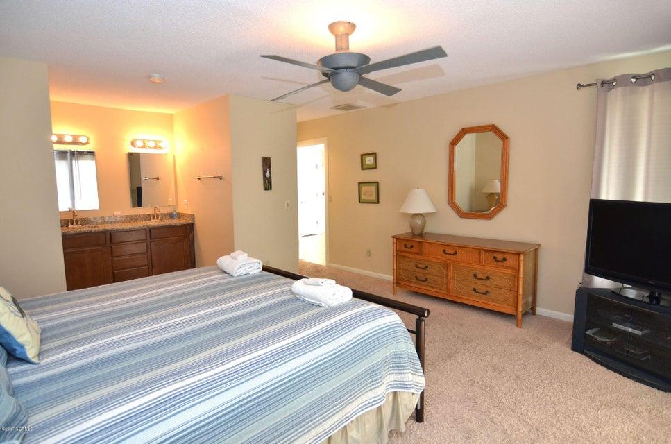 BHI (Bald Head Island) Real Estate - http://cdn.resize.sparkplatform.com/ncr/1024x768/true/20170227173157248743000000-o.jpg