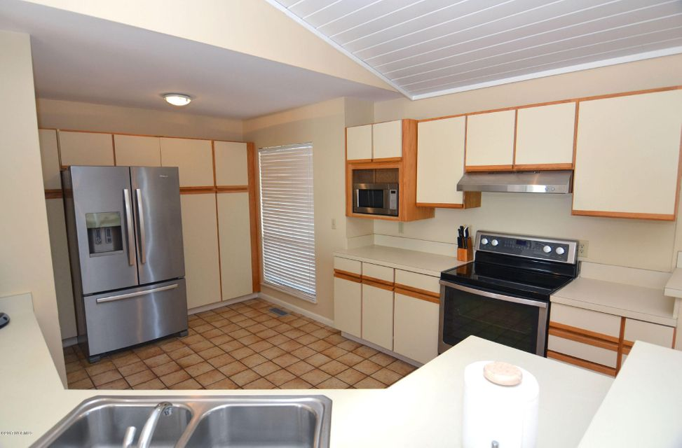 BHI (Bald Head Island) Real Estate - http://cdn.resize.sparkplatform.com/ncr/1024x768/true/20170227173234113065000000-o.jpg