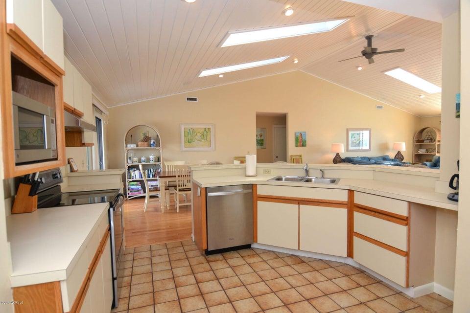 BHI (Bald Head Island) Real Estate - http://cdn.resize.sparkplatform.com/ncr/1024x768/true/20170227173238486987000000-o.jpg